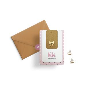 Geboortekaartje meisje roze strikjes goud goudfolie houtje labelkaartje